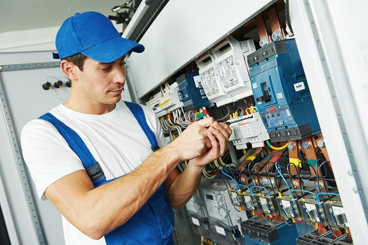 Qualified-Electrician