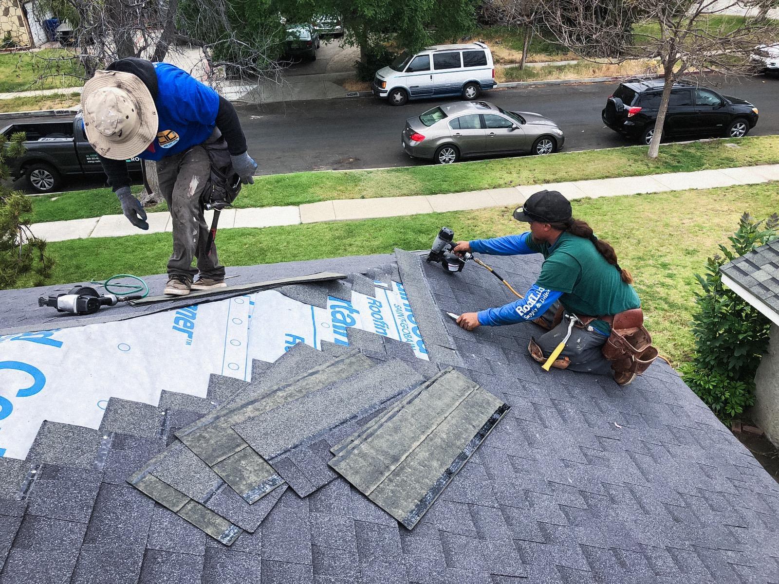 installing-shingles
