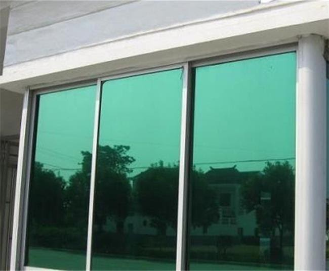 high light reflectance glass